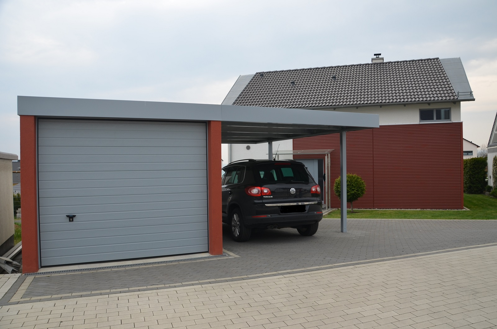 garagen esb carport mit garage. Black Bedroom Furniture Sets. Home Design Ideas